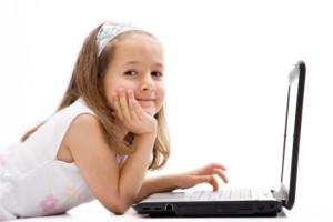 girl uses computer